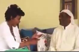 مطرب كويتي مشهور يرد على عارضة أزياء طلبت الزواج مقابل الجنسية (فيديو)