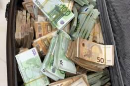 عثرت علي أكثر من نص مليون يورو وأبلغت الشرطة