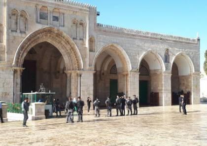 توتر في الأقصى وحصار المسجد القبلي بعد ادخال مجموعات سياحية