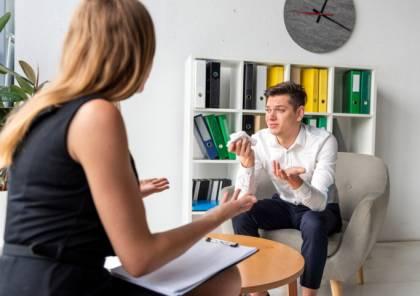 الخبراء يكشفون أسباب بكاء الرجال بعد الخيانة