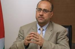 د. حمدونة يطالب بالتدخل لإنقاذ حياة الأسرى ووقف الانتهاكات بحقهم