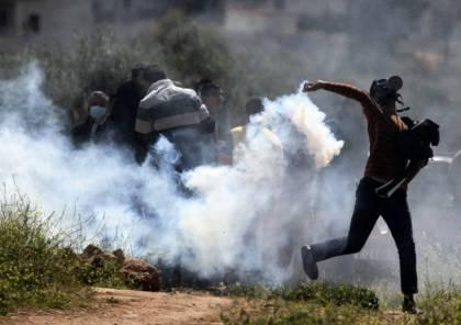 صور: عشرات الإصابات خلال قمع الاحتلال مسيرة بيت دجن