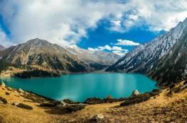 ألماتي .. أكبر مدن كازاخستان تجذب السياح الخليجيين لقضاء الإجازات الصيفية
