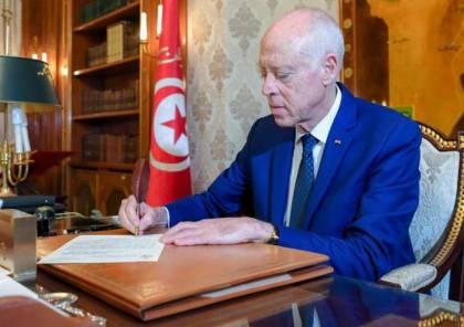 الرئيس التونسي يبحث في الجزائر الوضع في ليبيا وفلسطين