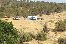 مستوطنون ينصبون خيمة على قمة جبل النجمة من أراضي جالود