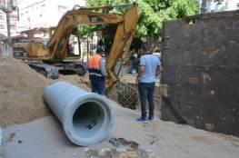 الانتهاء من تمديد خطوط تصريف مياه الأمطار في خان يونس