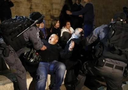 إصابة 4 مواطنين باعتداءات الاحتلال قرب باب العامود