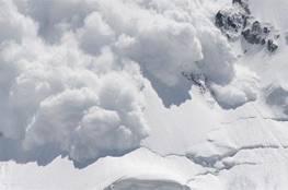 مقتل 57 شخصا جراء انهيار جليدي في قرية بكشمير الباكستانية