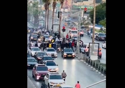 شاهد: اعتقال عريس واصدقائه في رام الله بسبب التفحيط وعرقلة السير