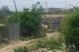 الاحتلال يُغلق العبارات جنوب قلقيلية بعد فتحها يومين