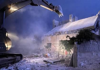 قوات الاحتلال تهدم منزل عائلة الأسير خليل دويكات في بلدة روجيب قرب نابلس