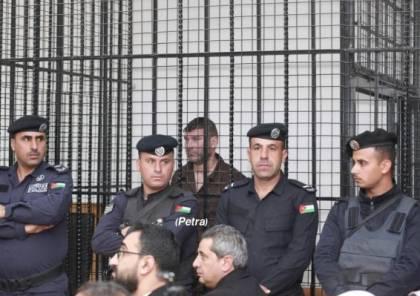 شاهد.. بدء محاكمة علنية لإسرائيلي تسلل إلى الأردن.. اقرار بتهمة ونفى الاخرى
