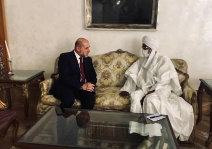 الهباش يلتقي في القاهرة رئيس المجلس الأعلى للشؤون الإسلامية بجمهورية تشاد