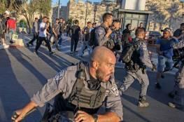 قوات الاحتلال تقمع المقدسيين في منطقة باب العمود