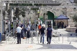 الساعات القادمة تحمل حلا للازمة.. الاحتلال يركب ممرات وحواجز الى جانب البوابات الالكترونية