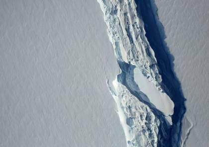 انفصال جبل جليدي من الأكبر في العالم عن أنتركتيكا