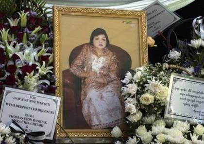 تنبأت بوفاتها.. أشهر عرافة في ميانمار تفارق الحياة
