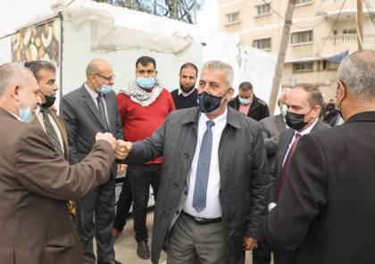 وزير الحكم المحلي يفتتح شارعي جمال عبد الناصر وعمر المختار بخان يونس