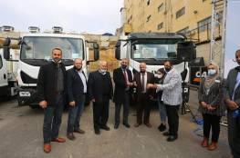الصالح يُسلم 6 آليات لمجالس مشتركة لتحسين خدمة إدارة النفايات الصلبة