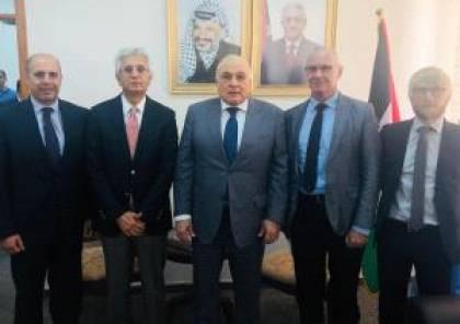 وزير المالية يطلع وفدا من البنك الدولي على الوضع المالي والاقتصادي في فلسطين