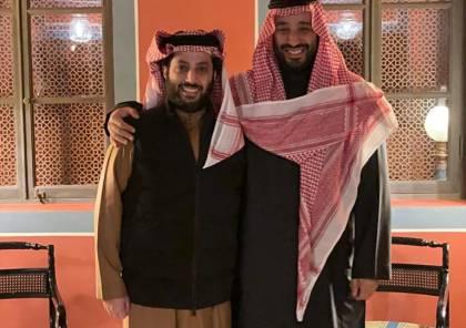 """الملك سلمان يمنح آل الشيخ وساما رفيعا.. ورئيس الترفيه لولي العهد: """"أنت من صنعت تركي"""""""