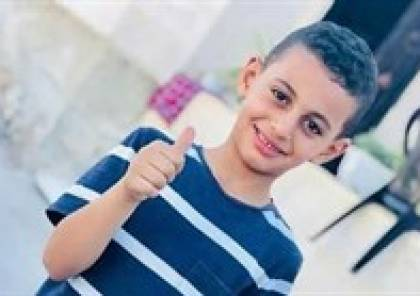الخليل : والد طفل يناشد الرئيس عباس