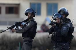 الاحتلال يعتقل مواطنين أخفيا قنابل أنبوبية