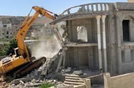 السلطات الإسرائيلية تجبر مواطنا من الطيبة بأراضي الـ48 على هدم منزله