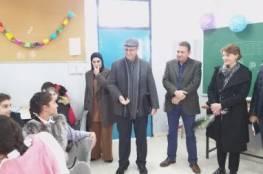مديرة عمليات الوكالة تزور مدرسة بنات شعفاط في المخيم