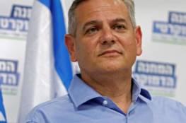 """وزير الصحة الاسرائيلي يوضح بشأن اجتماعه مع ابو مازن.. ساعر والليكود يعتبراه صفعة و""""بلا معنى"""""""