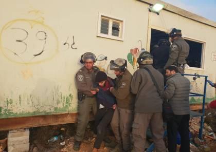 إصابات واعتقالات خلال إخلاء بؤرة عامونا مجددًا