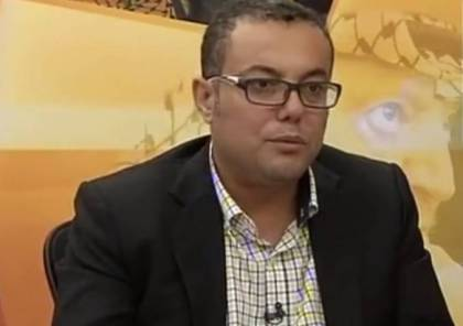 عاطف أبو سيف يصل إلى مجمع فلسطين الطبي برام الله