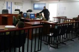 الاحتلال يحكم بالسجن على 3 أسرى ويمدد آخرين