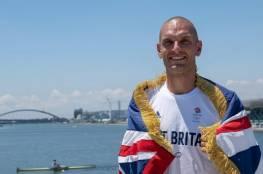 والده مغربي.. مسلم سيحمل لأول مرة العلم البريطاني في افتتاح أولمبياد