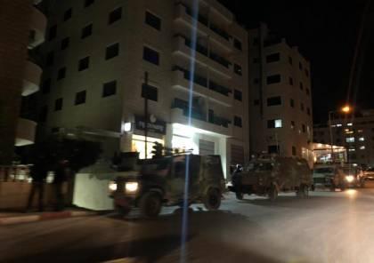 الاحتلال يقتحم مدينة رام الله ويستولي على تسجيلاتٍ لكاميرات مراقبة