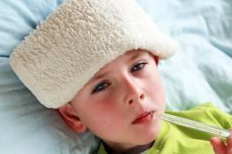 نصائح لتتجنبي حرارة طفلك