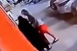 واقعة تحرش بامرأة منقبة في جدة تفجر غضبا في السعودية! (فيديو)