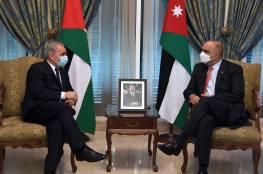 اشتية يبحث مع نظيره الأردني تعزيز التعاون والتنسيق المشترك بين البلدين