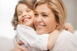 9 أمور ضروري أن تعرفيها عن تربية البنات