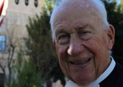 جامعة بيت لحم تنعى اول رئيس لها وتقيم له قداس تذكاري