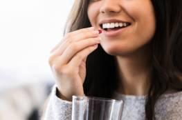 """""""فيتامينات السعادة"""" : 5 مكملات غذائية يحسّن تناولها المزاج"""