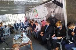 """عائلة بنات تسلم الاتحاد الأوروبي رسالة ابنها """"نزار"""" المُطالبة بوقف دعمه للسلطة"""