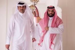 صورة : ماهي السيارة التي جالت بمحمد بن سلمان وضيفه أمير قطر على رمال العلا؟