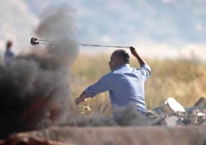"""صور : تحريض اسرائيلي ضد نائب من فتح رشق جنود الاحتلال """"بالمقلاع """""""