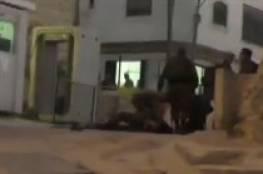 فيديو: مقتل أحد جنود الاحتلال بنيران زميله في الخليل