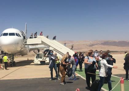 بالصور.. الأردن يستقبل طائرة تحمل 180 سائحا بدعم من هيئة تنشيط السياحة