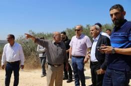 محافظ قلقيلية يتفقد باقة الحطب ويؤكد حق المواطنين في استصلاح أراضيهم