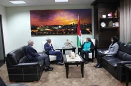 """وزيرة الصحة تبحث مع السفير التركي تسريع عمل مشفى """"الصداقة"""" بغزة"""