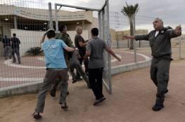 """جيش الاحتلال يحذر السكان على حدود غزة من """"خطر أمني"""""""