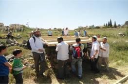 مستوطنون يخططون لإعادة بناء مستوطنة مخلاة شمال الضفة